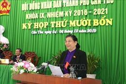 Đồng chí Tòng Thị Phóng dự khai mạc kỳ họp 14 Hội đồng nhân dân Cần Thơ khóa IX
