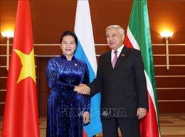Chủ tịch Quốc hội Nguyễn Thị Kim Ngân gặp Chủ tịch Hội đồng Nhà nước Tatarstan
