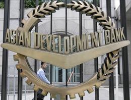 ADB hỗ trợ khoản vay duy trì sản xuất thuốc gốc ở Việt Nam
