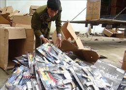 Bắt quả tang vụ vận chuyển 14.500 khẩu súng nhựa, đồ chơi nguy hiểm