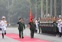 Bộ trưởng Bộ Quốc phòng Lào thăm chính thức Việt Nam