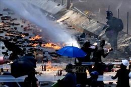 Cảnh sát Hong Kong thu giữ lượng lớn chất dễ cháy dùng chế tạo bom xăng