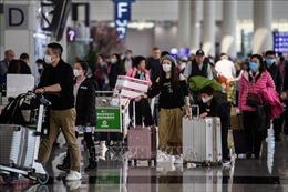 Hong Kong tạm đóng 10 trạm qua lại với Trung Quốc đại lục