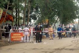 Thực hiện nghiêm việc cách ly người nghi nhiễm COVID-19; Hà Nội và TP Hồ Chí Minh tiếp tục cho học sinh nghỉ