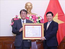 Trao tặng Huân chương Hữu nghị cho Đại sứ Nhật Bản tại Việt Nam
