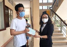 Trao giấy chứng nhận hoàn thành cách ly cho 231 công dân trở về từ Australia