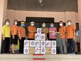 Kiều bào tại Udon Thani (Thái Lan) hỗ trợ chính quyền tỉnh vật tư phòng chống dịch bệnh