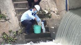 Bình Dương: Xác định nguyên nhân chính gây bọt trắng trên kênh Suối Chợ