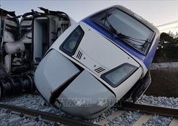 Tàu điện ngầm bị chệch đường ray tại Hàn Quốc