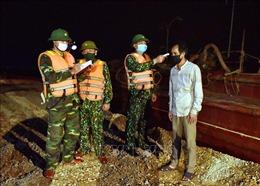 Những người lính mang quân hàm xanh nơi tuyến đầu chống dịch