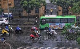 Đêm 23/4, các tỉnh từ Thanh Hóa đến Thừa Thiên - Huế mưa giông diện rộng
