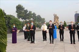 Lãnh đạo TP Hồ Chí Minh dâng hương tưởng niệm các Anh hùng liệt sĩ