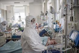 Ngày thứ 4 liên tiếp, số ca mắc COVID-19 tại Nga vượt 10.000 ca/ngày