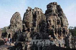 Khai quật rùa đá hàng trăm năm tuổi tại khu quần thể Angkor