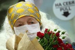 Cụ bà 100 tuổi ở Nga đánh bại virus SARS-CoV-2