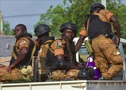 Các nhóm thánh chiến tấn công dân thường ở Burkina Faso