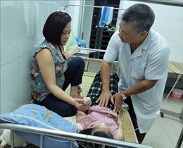 Vụ học sinh ngộ độc thực phẩm ở Cao Bằng: Tạm đình chỉ hoạt động nhà hàng cung cấp suất ăn trưa bán trú 