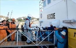Cứu nạn thuyền viên bị chấn thương trên vùng biển thuộc quần đảo Trường Sa