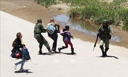 17 người di cư chết đuối khi vượt Sông Rio Bravo trên tuyến biên giới Mexico - Mỹ