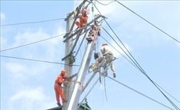 Chuyện về những 'sứ giả ngành điện' mùa nắng nóng