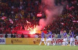 Đốt pháo sáng trên sân Hàng Đẫy, Hải Phòng FC vẫn thua 0-1