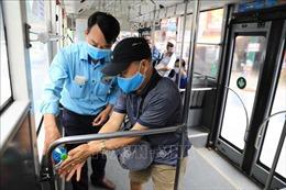 Tái kích hoạt các biện pháp phòng, chống COVID-19 trên xe buýt Hà Nội
