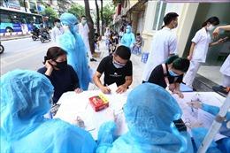 Nhiều bất cập khi tổ chức test nhanh COVID-19 ở Hà Nội