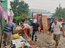 Mưa lớn kèm dông, lốc gây sạt lở, hư hại hơn 100 căn nhà tại Sóc Trăng