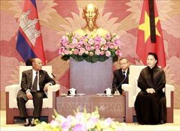 Chủ tịch Quốc hội Nguyễn Thị Kim Ngân hội đàm với Chủ tịch Quốc hội Campuchia Heng Samrin