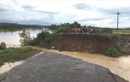 Đắk Lắk: Mưa lớn gây ngập lụt nhiều nhà cửa, cây trồng, chia cắt giao thông