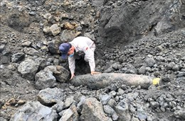 Phát hiện quả 'bom khoan' nặng 227 kg tại mỏ đá