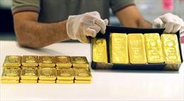 Giá vàng giao ngay giảm nhẹ do đồng USD phục hồi
