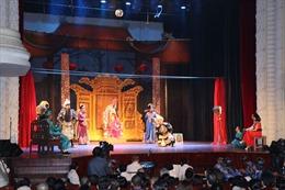 Nỗi niềm sân khấu xã hội hoá ở TP Chí Minh - Bài cuối: Khao khát điểm diễn xứng tầm
