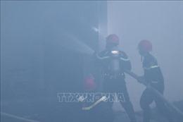 Cháy lớn tại khu nhà xưởng rộng gần 1.000m2 của Công ty Lục Bảo