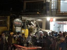 Ô tô tải gây tai nạn liên hoàn làm 2 người chết, 4 người bị thương