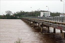 Bão số 9: Nhiều khu vực ở Quảng Ngãi bị ngập sâu từ 1-2m do mưa lũ