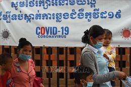 Campuchia phạt nặng trường hợp bán khẩu trang y tế với giá quá cao