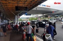 Phân lại làn xe ô tô trong sân bay Tân Sơn Nhất đã giảm ùn tắc giao thông