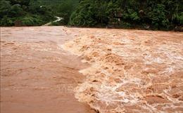 Nước trên các sông từ Quảng Bình đến Ninh Thuận đang lên, nguy cơ cao xảy ra lũ quét, sạt lở đất