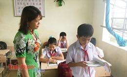 Cô giáo người Nùng 'gieo chữ' ở miền Đông đất đỏ