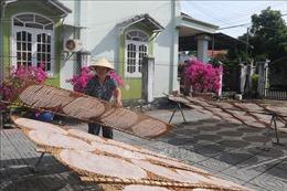 Các làng nghề nhộn nhịp vào vụ Tết