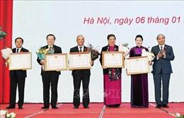 Lễ trao Huân chương Đại đoàn kết dân tộc tặng lãnh đạo Quốc hội