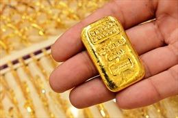 Giá vàng thế giới phiên 6/1 giảm hơn 2%
