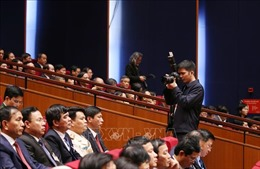 Hàng trăm phóng viên tác nghiệp tại phiên khai mạc Đại hội XIII của Đảng