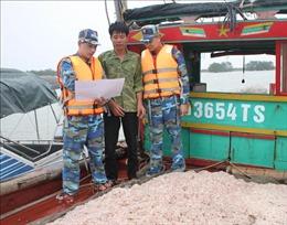 Tổ tàu thuyền an toàn đoàn kết vươn khơi bám biển