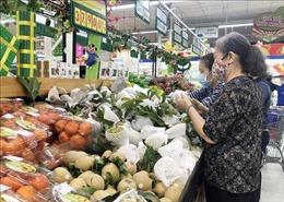 Dồi dào hàng hóa cung ứng cho thị trường ngày 30 Tết