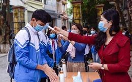 Học sinh một số địa phương trở lại trường sau thời gian nghỉ phòng, chống dịch