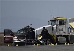 Tai nạn giao thông nghiêm trọng tại California (Mỹ), ít nhất 15 người thiệt mạng