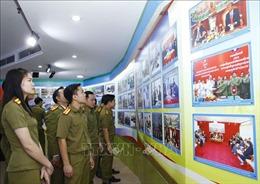 Triển lãm 'Công an nhân dân Lào - Việt Nam - Thắm tình hữu nghị'