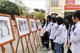 Ninh Bình: Trưng bày những bức ảnh đẹp về Bác Hồ với bầu cử Quốc hội